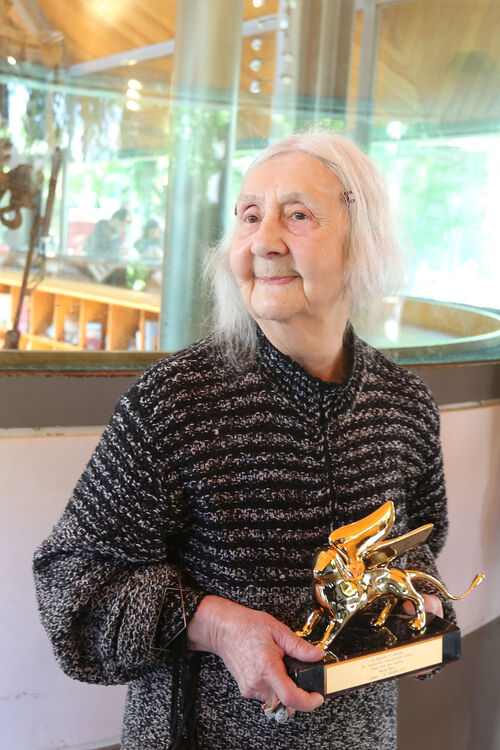 Marisa Merz, a key member of Italy's Arte Povera movement, died at age 93.