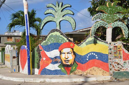 The Havana Neighborhood That's Become One Artist's Mosaic Masterpiece