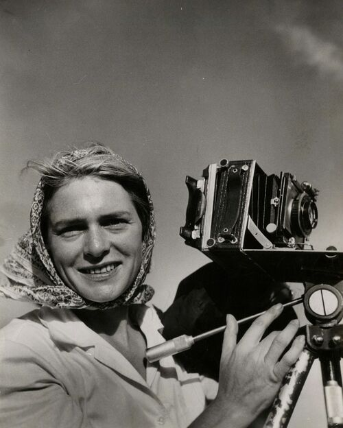 These 6 Women Shaped Photojournalism During LIFE's Heyday
