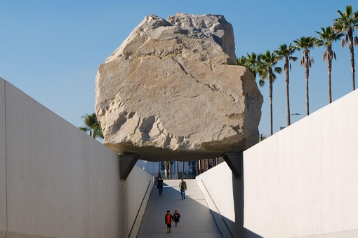 Michael Heizer's Herculean Effort to Move a 340-Ton Boulder across L.A.