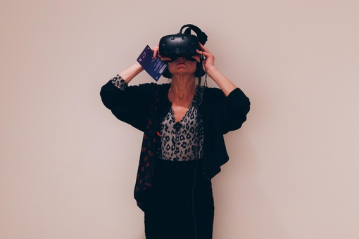 What You Need to Know about Collecting Virtual-Reality Art