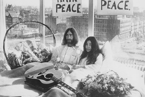 When John Lennon and Yoko Ono Invited the World into Bed with Them