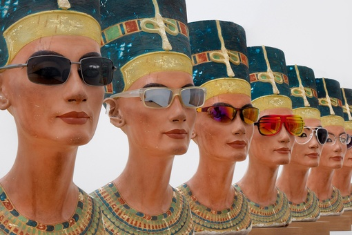 What Depictions of Nefertiti Say about the Way Society Views Gender and Race