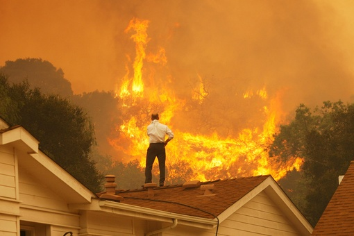How This Photojournalist Gets Close to California's Devastating Wildfires