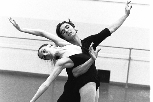 The Photographer Who Immortalized the Movement of the New York City Ballet