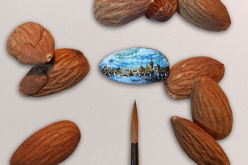 Inside the World of Mesmerizing, Impossibly Tiny Art