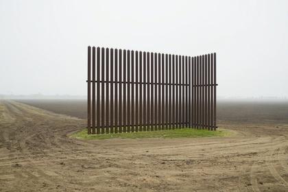 Border Cantos: Richard Misrach   Guillermo Galindo