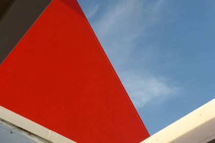 Structures: Snapping the lines of Geometric Abstraction.