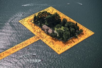 Christo & Jeanne-Claude: THE FLOATING PIERS, Photography by Wolfgang Volz