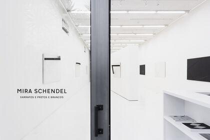 Mira Schendel: Sarrafos e Pretos e Brancos