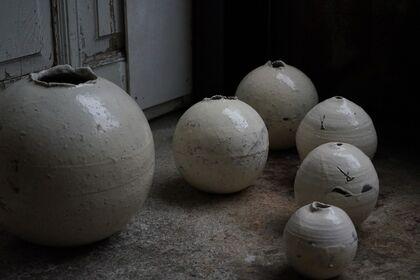 Round objects by Shiro Tsujimura