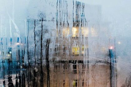 Urban Impressions: A Collection of Photographs by Pedro Correa