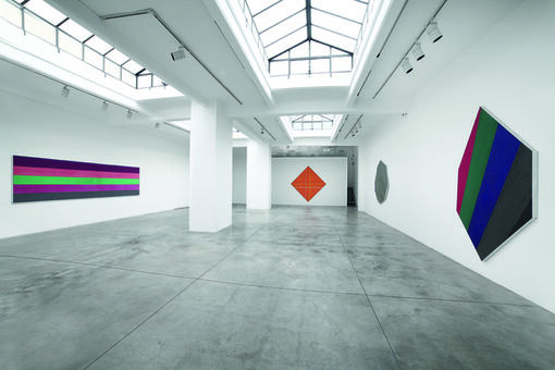 """Color Field Pioneer Kenneth Noland's """"One-Shot"""" Masterworks"""