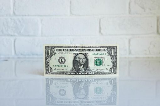 Financial Advice for Artists from Four Experts
