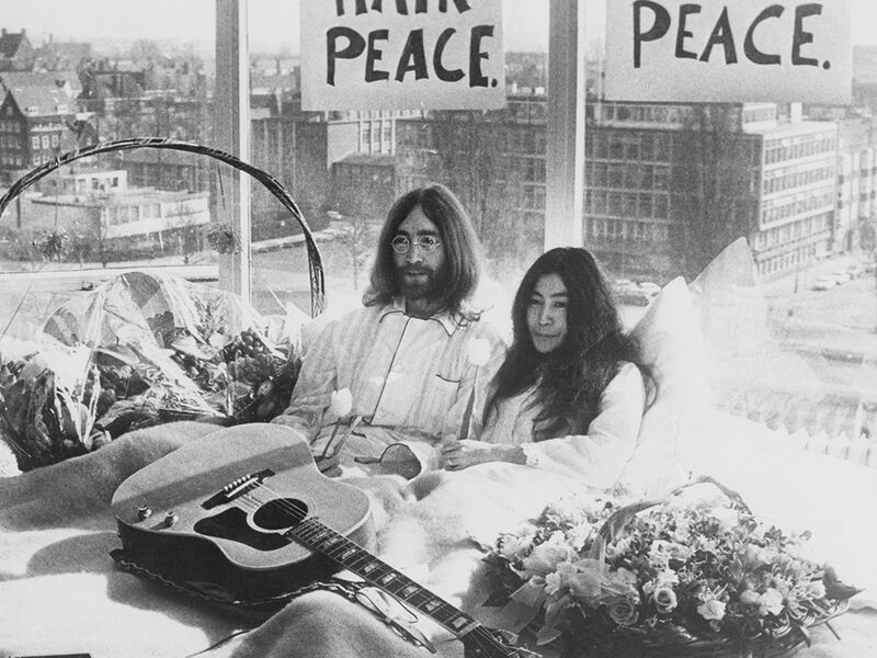 When John Lennon And Yoko Ono Invited The World Into Bed With Them Artsy