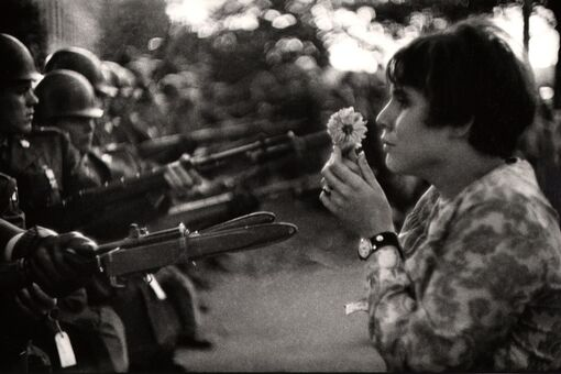 Marc Riboud, Photographer of One of History's Most Iconic Anti-War Images, Dead at 93