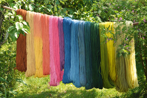 5 Natural Dyes You Can Create from the Contents of Your Kitchen