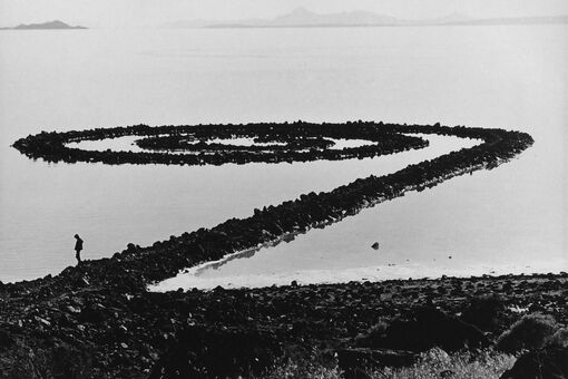 The Photographer Who Went to Extreme Measures to Capture America's Greatest Land Art
