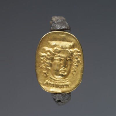 'Hollow scarab in swivel ring',  mid-4th century B.C.