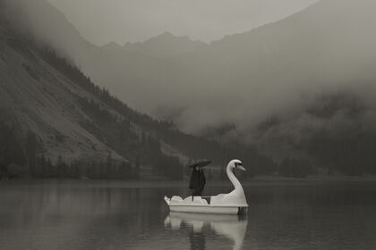Erwin Olaf - Traveling Souls