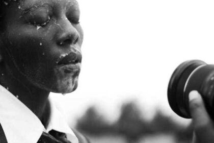 Ugeza Ngobisi ( You bathe in milk)
