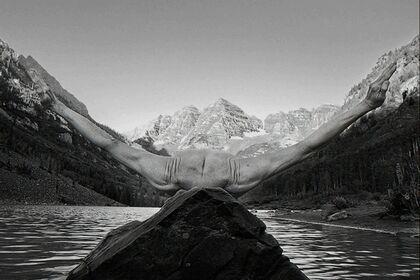 Arno Rafael Minkkinen - Drawn to Nature