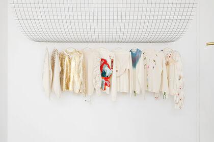 Modes & Travaux : Une collection de pulls d'artistes et une exposition proposées par The Drawer