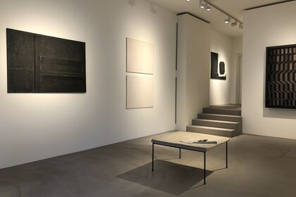 Black / White - Peter Royen meets...