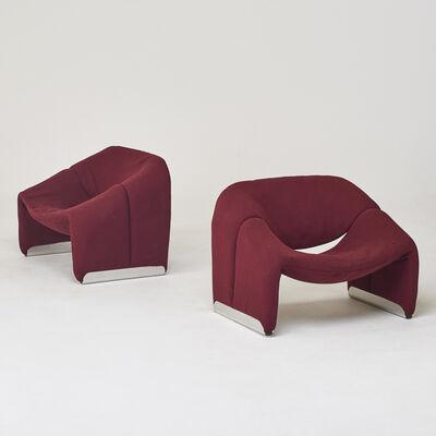 "Pierre Paulin (1927-2009), 'Pair of burgundy F598 ""Groovy""-chairs', 1970s"