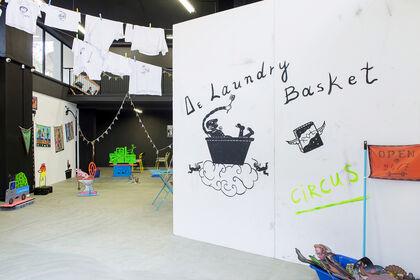 Δε Laundry Basket_Solo show by Spyros Aggelopoulos