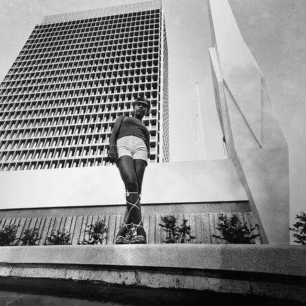 Paul Kodjo, 'Photographie de mode réalisée devant l'immeuble de la caisse de stabilisation, Plateau, Abidjan', 1970