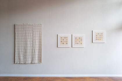 """EDITION Feature: KAYLA POWERS """"soft grid"""""""