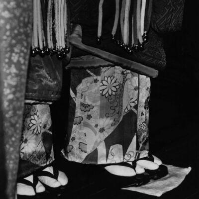 Toshio Enomoto, '086-Kamuro waiting for their turn offstage Kabu Renshujo Theater', 1982