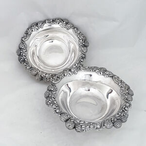 Tiffany of New York, 'Pair of sterling silver serving dishes with the clover motif ', 102-1906