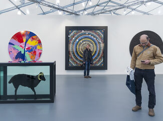 A Donkey and Damien Hirst Dominated Frieze New York's Fast-Paced Opening Day