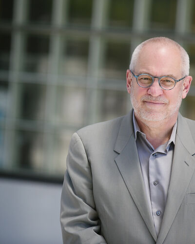 As SFMOMA Prepares for its Signature Fundraiser, an Interview with Senior Curator Gary Garrels