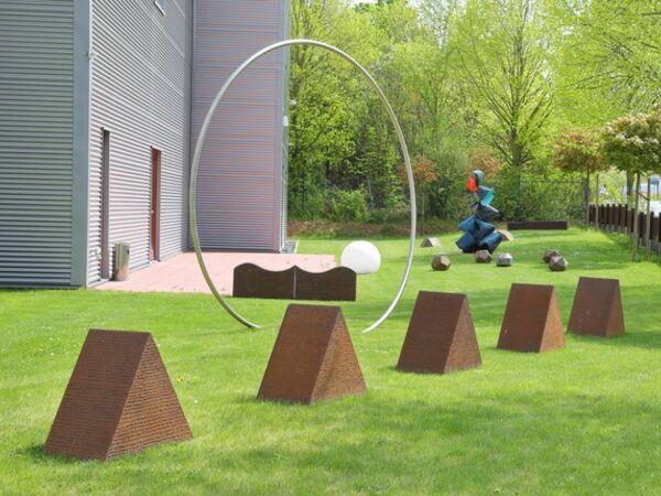 Cover image for Wulf Kirschner »Skulpturen im Garten der Cadoro« / »Sculpture garden at the Cadoro«
