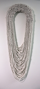 Collar Blanco Grande XXVIII (Large White Necklace XXVIII)