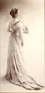 Thora van Loon-Egidius, ca. 1900 © Studio Nadar / Courtesy Museum van Loon