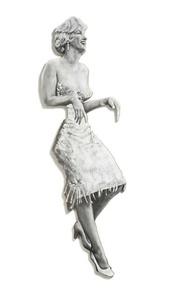 Marilyn (Leaning Board II)