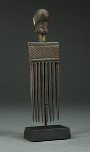 Figurative Antique Angolan Chokwe Comb with Beautiful Coiffure