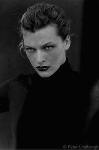 Milla Jovovich, New York, USA, 2000