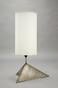 Triangular base lamp