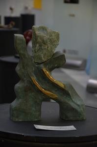 Verde com pedra verde