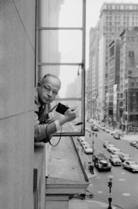 Henri Cartier Bresson, French photographer. 5th Avenue. New York City, USA.