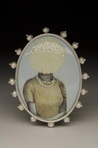 A Lady Wears Pearls, Brooch