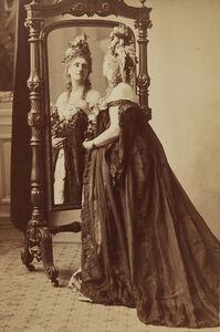 Rose de Compiegne, Portrait of the Countess of Castiglione from Série des Roses