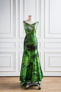 地-服裝 Dress-Earth