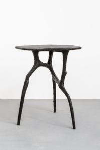 Stance (dark grey)