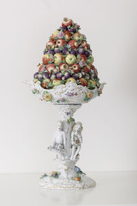 Fruit Pyramid I[Courtesy MEISSEN COUTURE® Art Collection]